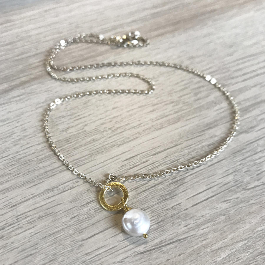 Lydia necklace - white coin pearl