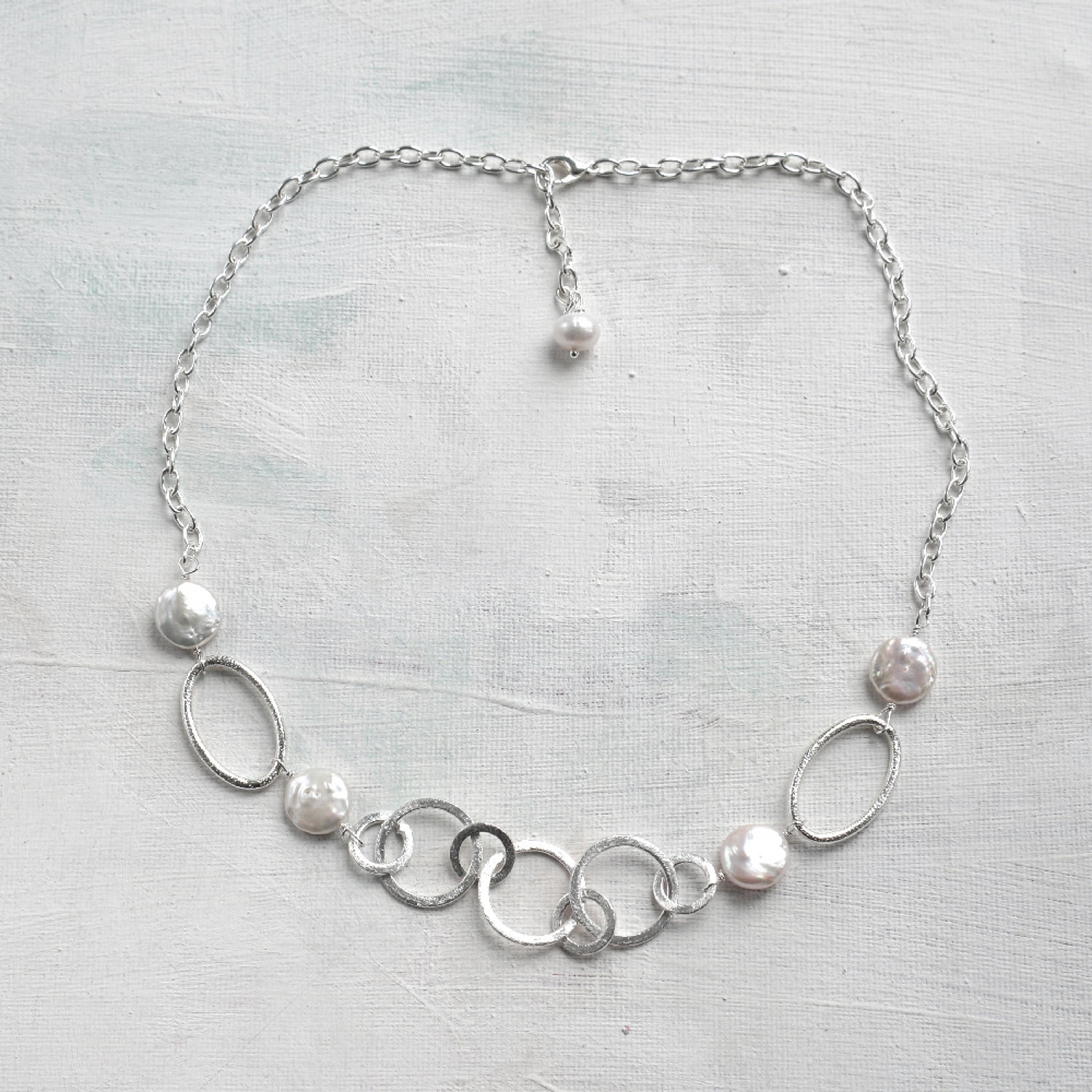 Polly necklace pearl silver