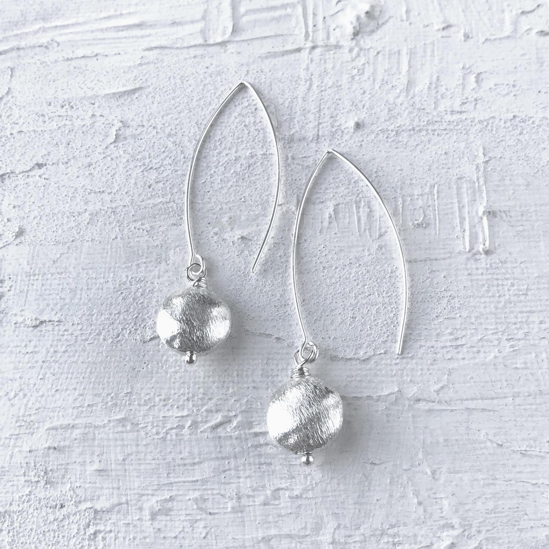 Long drop earrings nugget