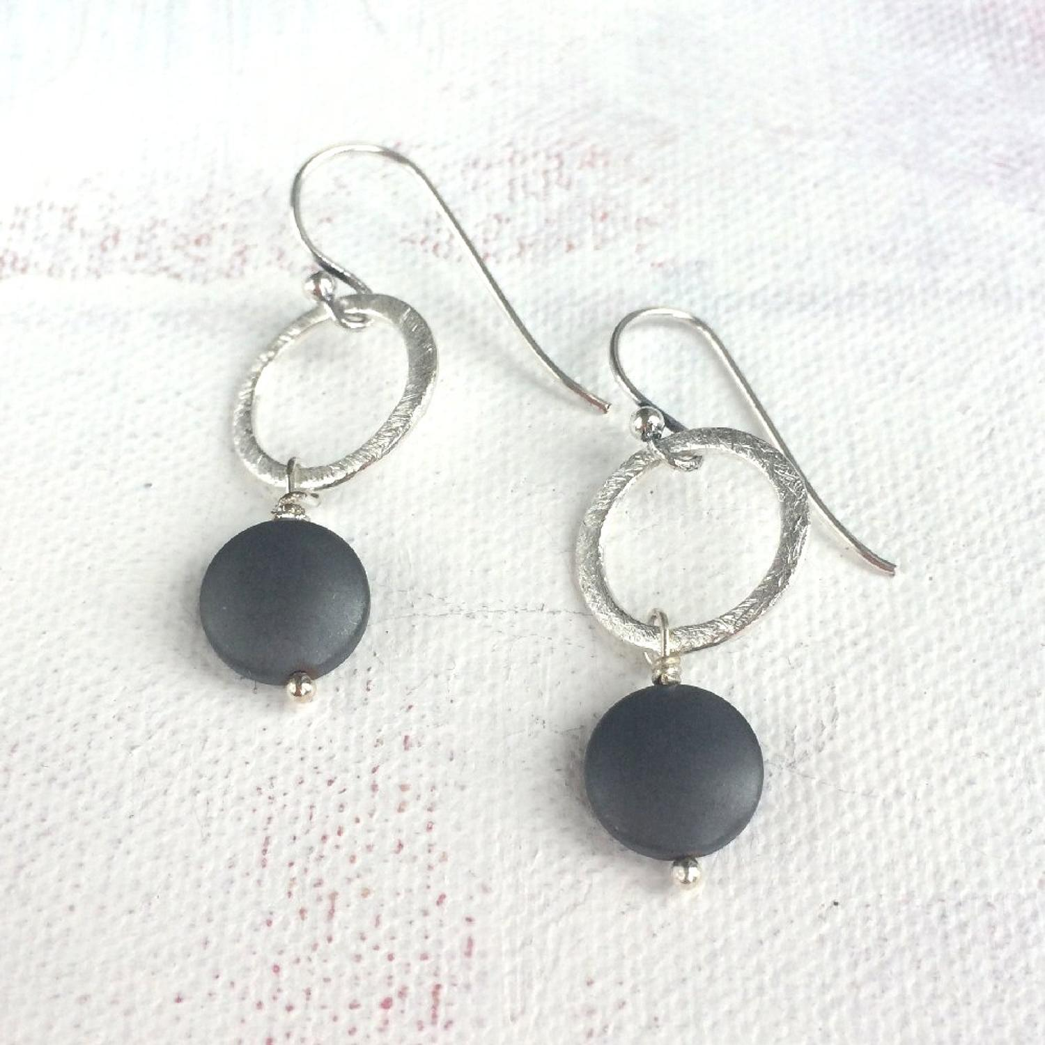 Lydia earrings charcoal