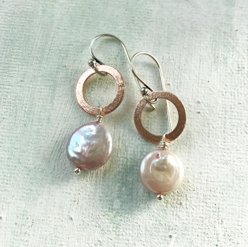 Lydia earrings with pink coin pearl
