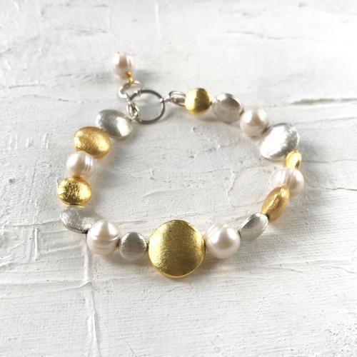 Galaxy pearl bracelet