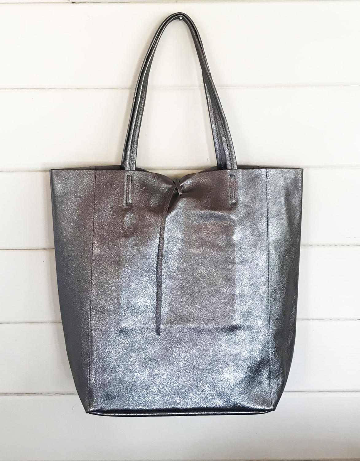 Leather tote pewter