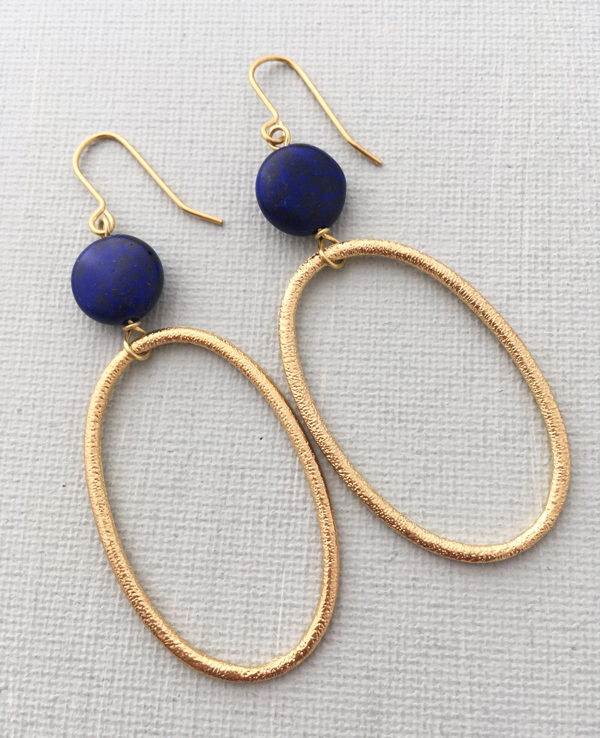 Big loop navy earrings