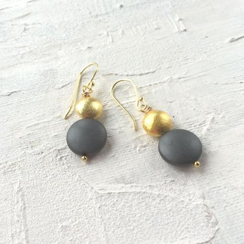Sally earrings charcoal