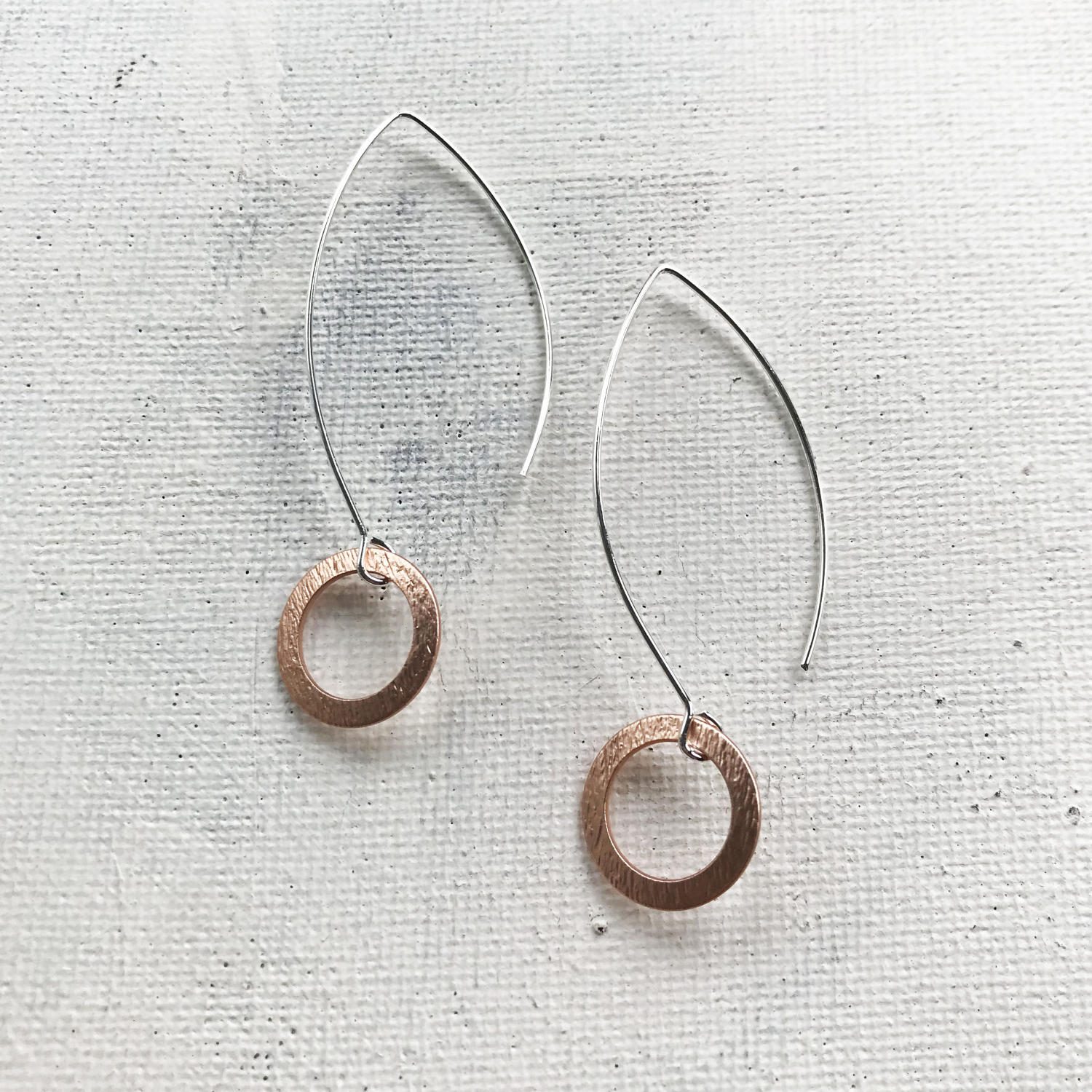 Circle long earrings rose gold