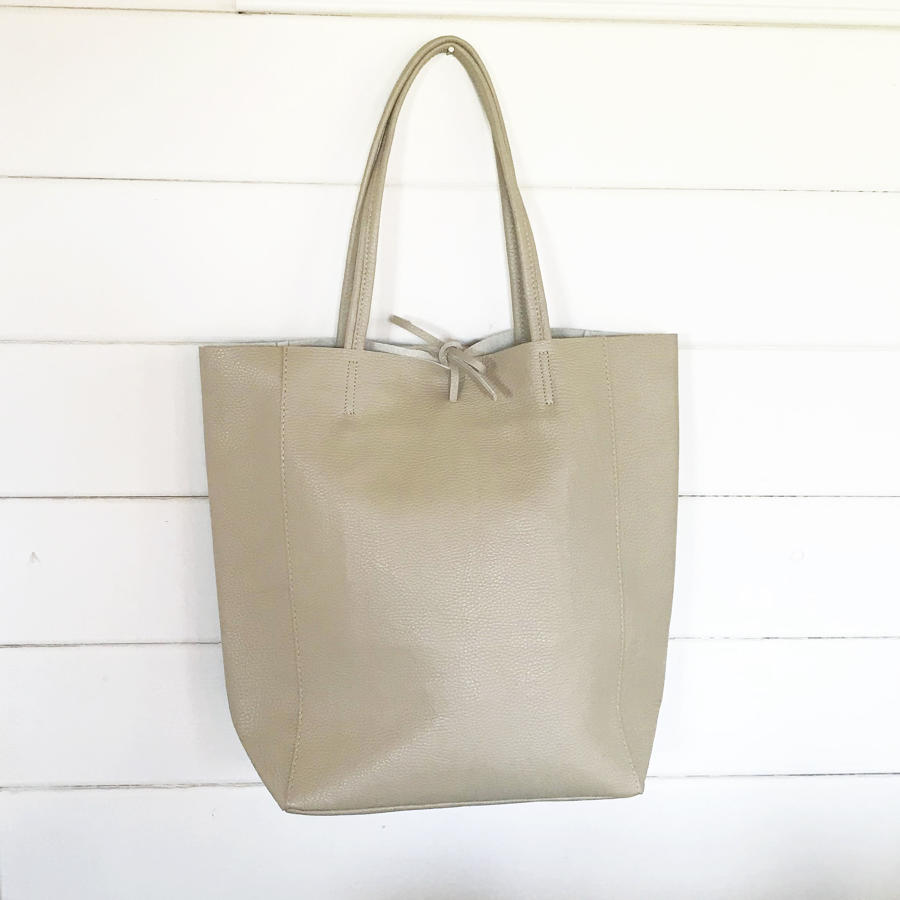 Leather tote beige
