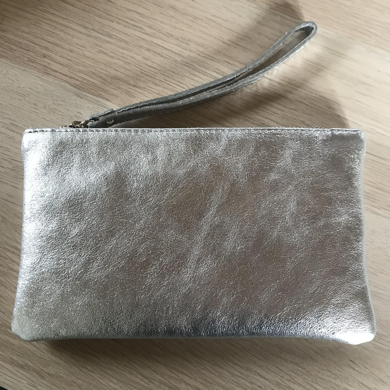 Leather pouch silver