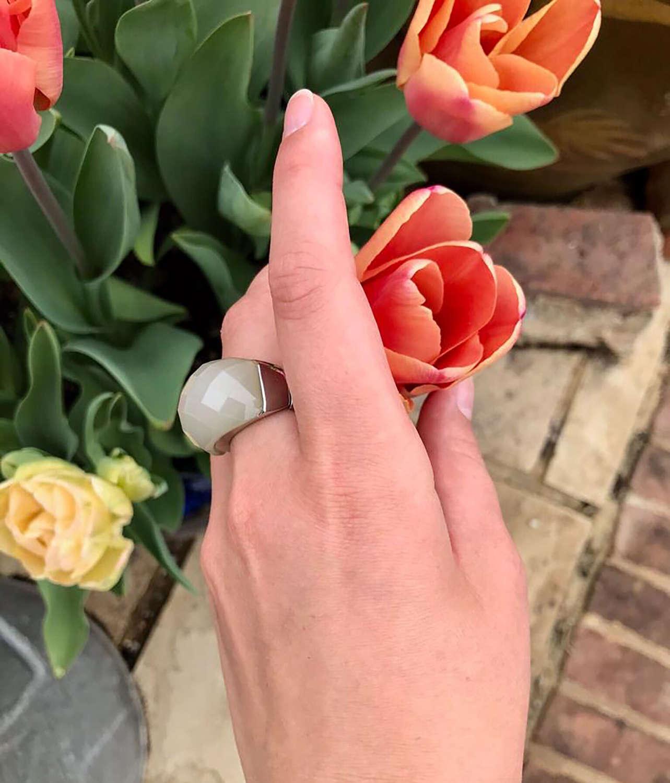 Grey stretch ring