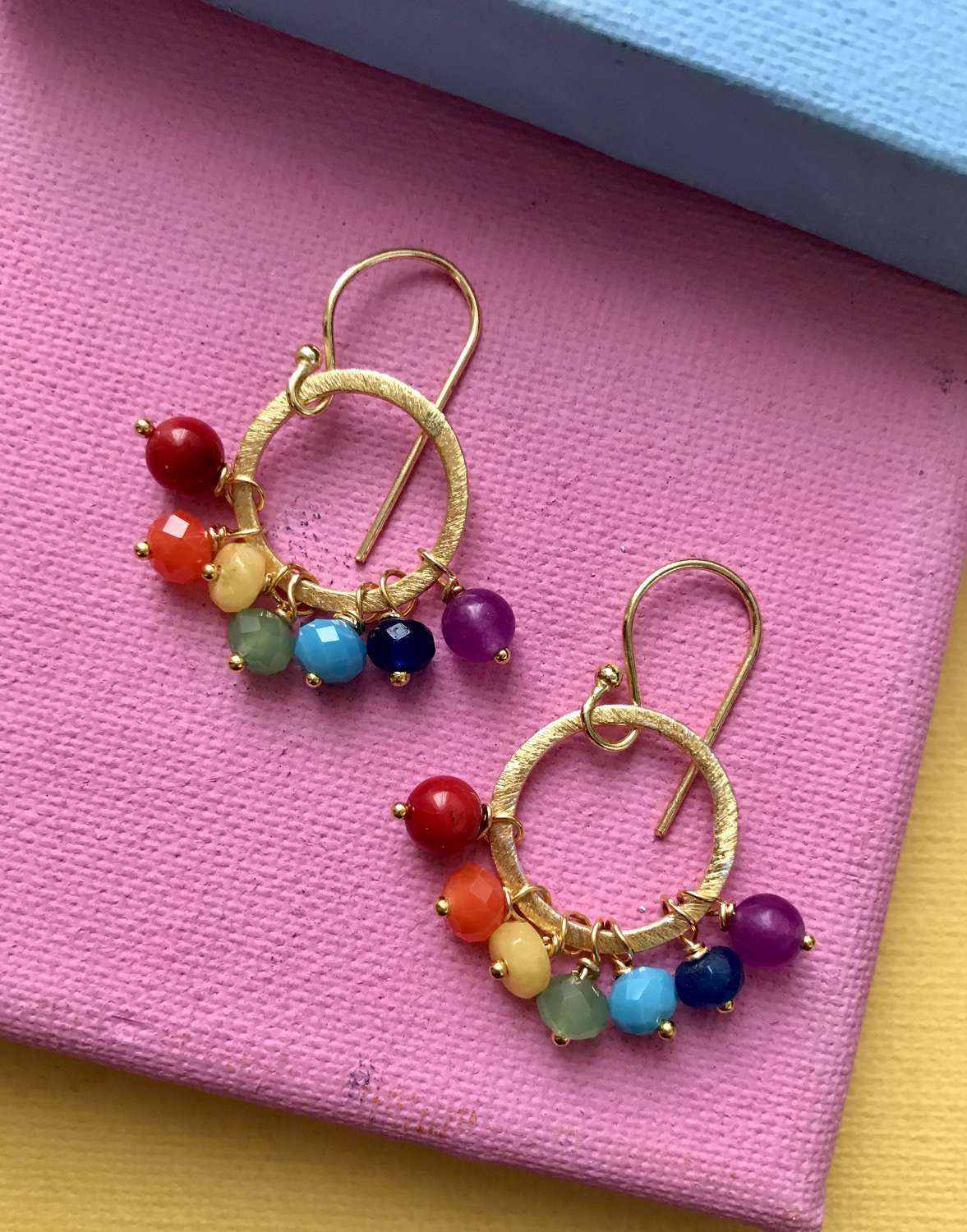 Rainbow earrings in gold