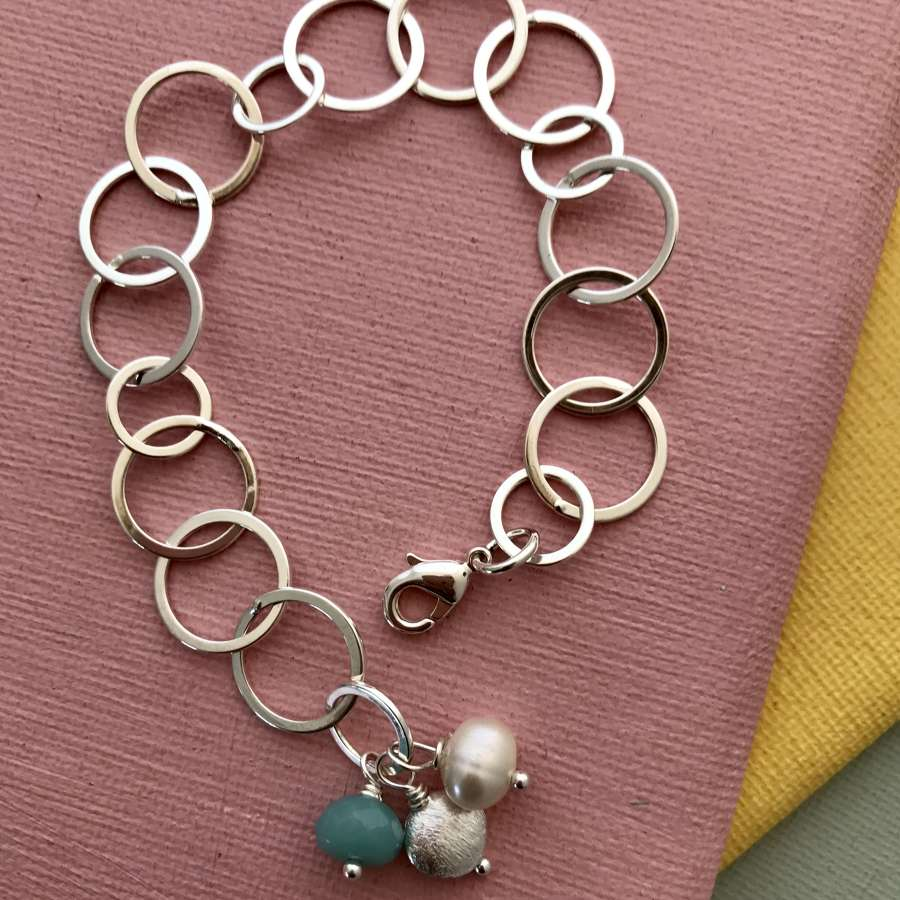 Lily bracelet duck egg and pearl