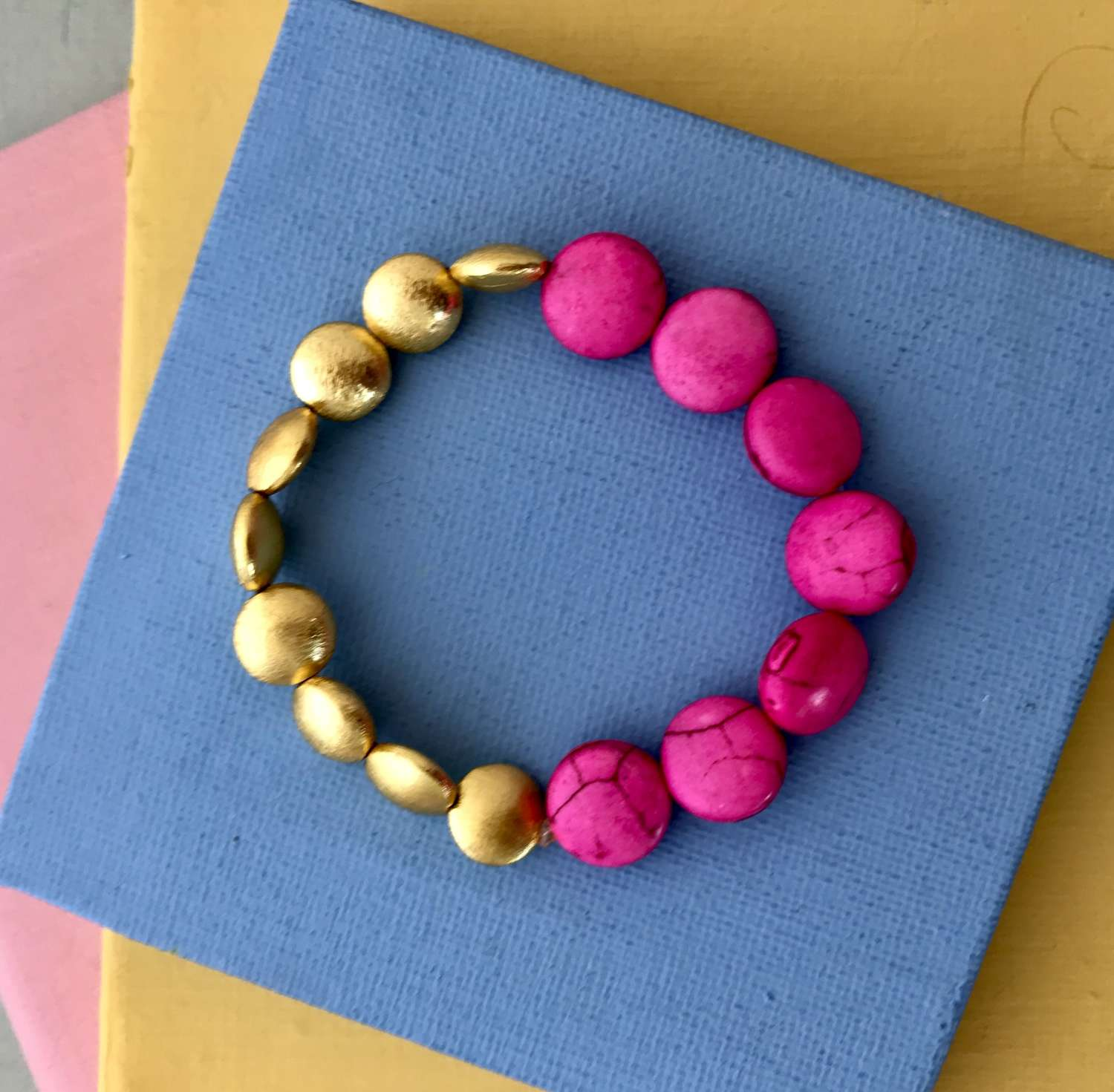 Annie bracelet in candy pink and gold