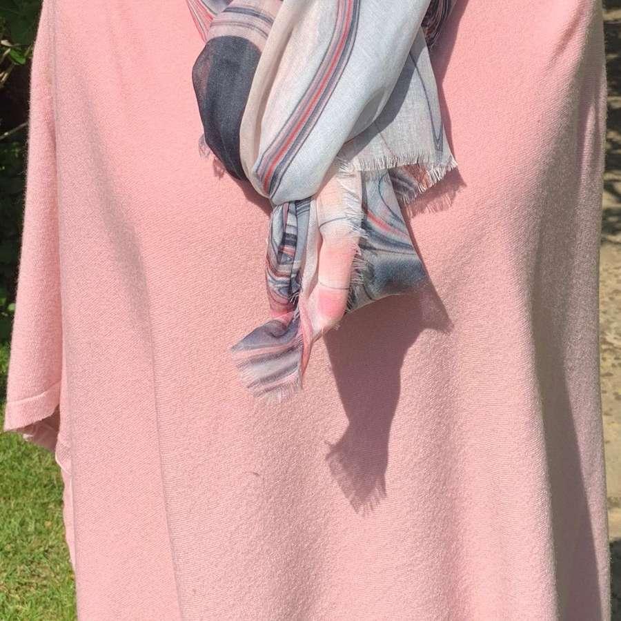 Button poncho - pale pink