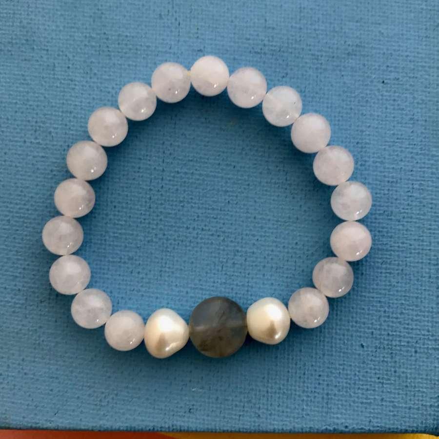 Annie bracelet rose quartz/grey/pearl