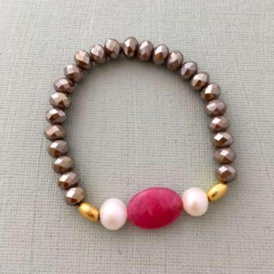 Annie bracelet - coffee/raspberry/pearl