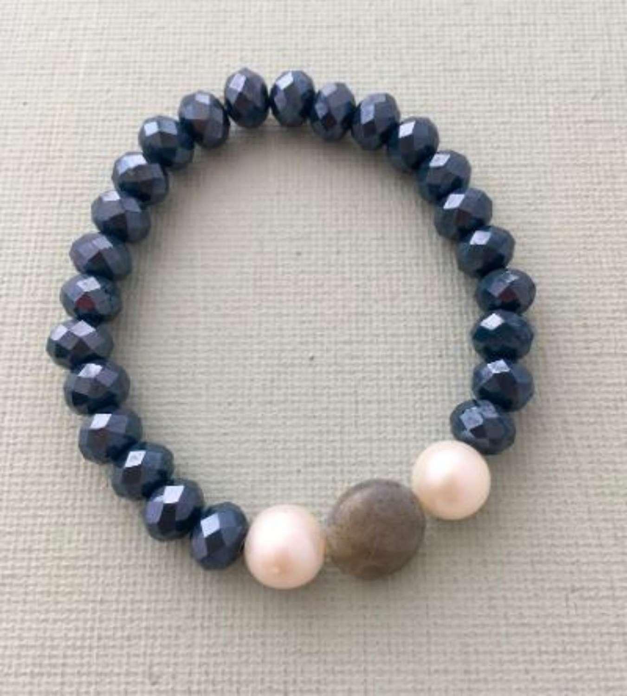 Annie bracelet - navy/pearl/grey
