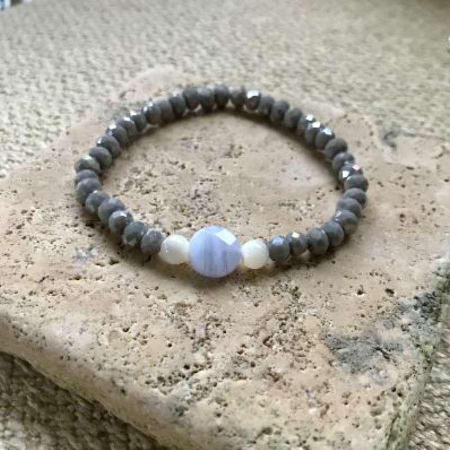 Annie bracelet - ice blue/grey