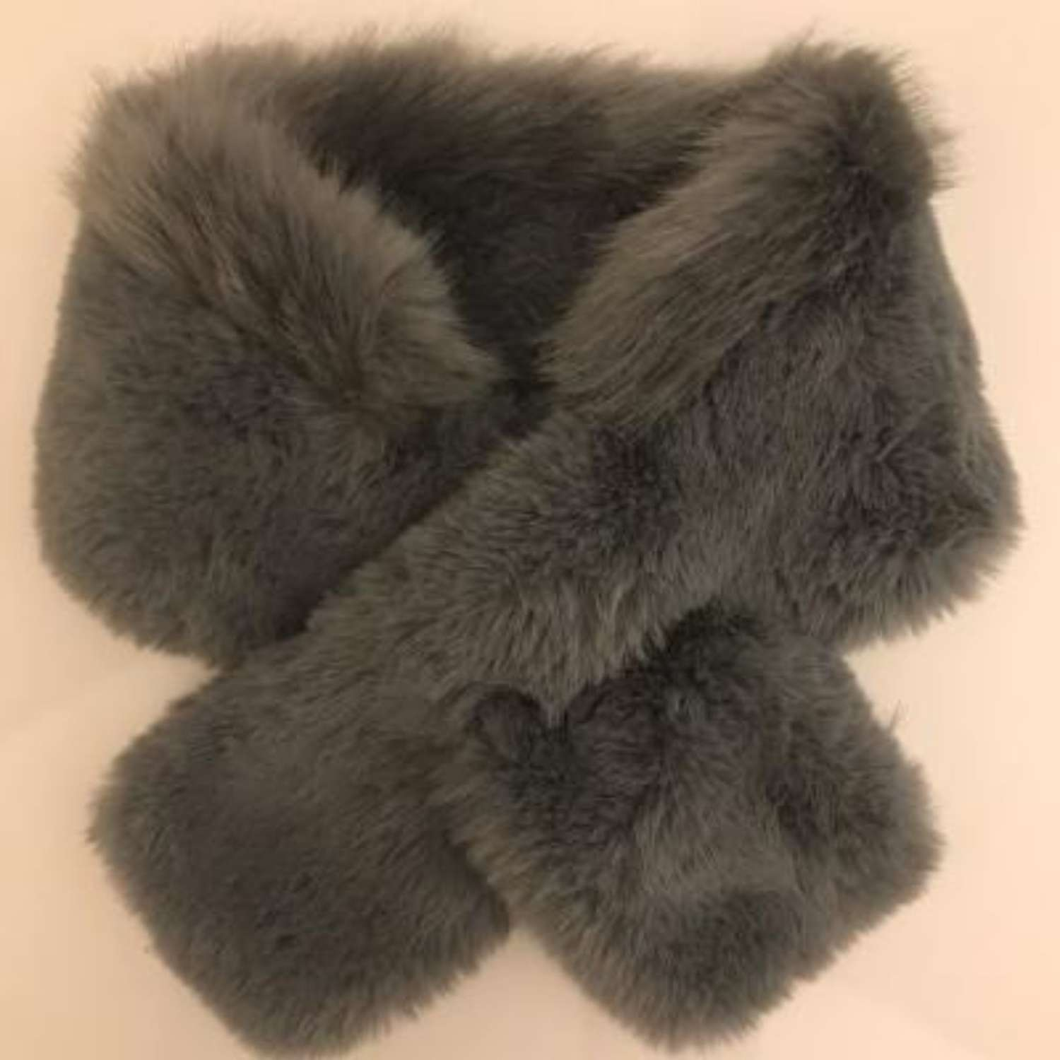 Faux fur tippet with collar - grey
