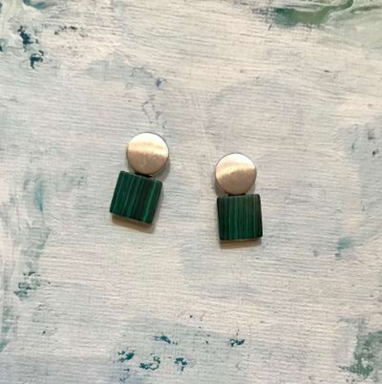 Square and circle earrings - green