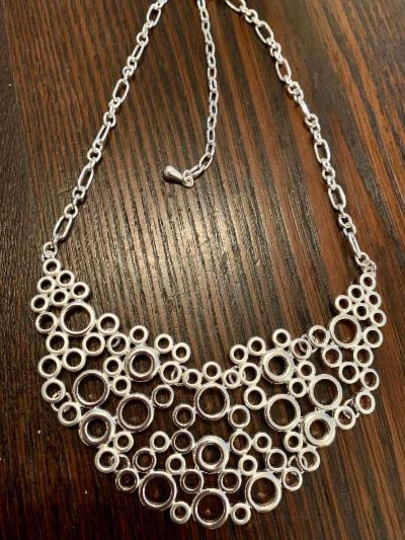 Open silver circles necklace