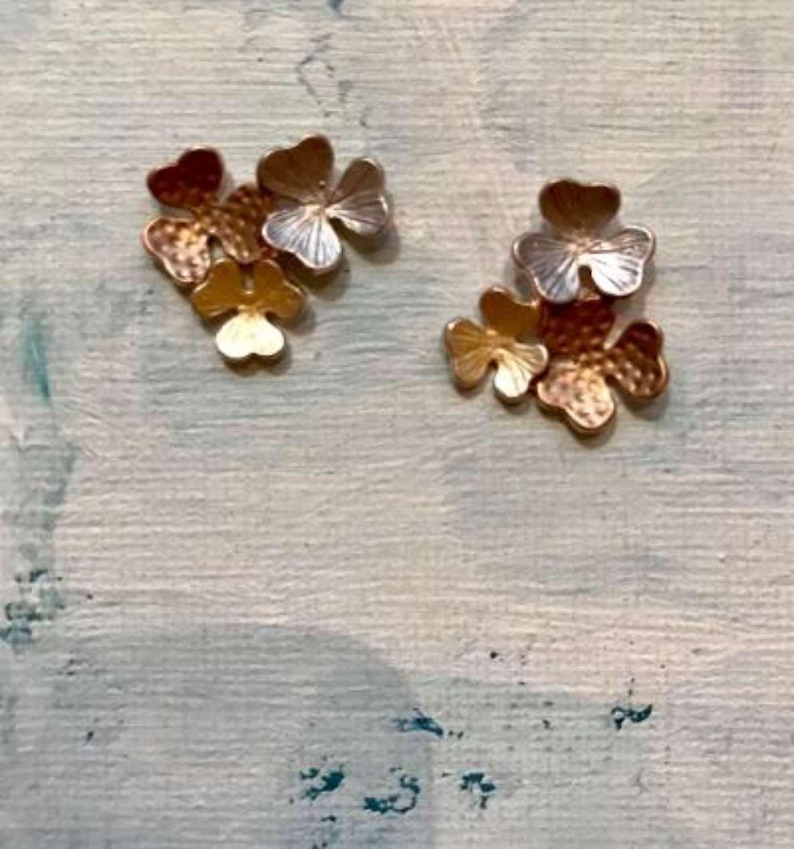 3 flowers earrings