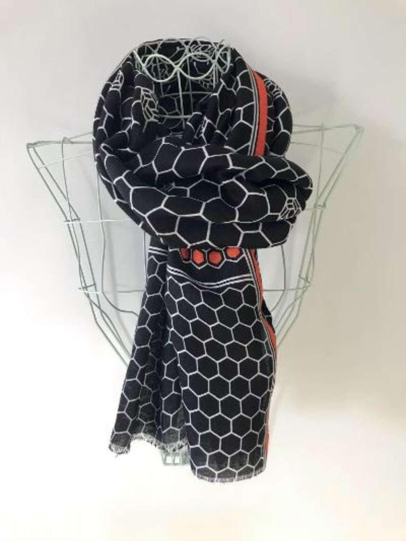 Black/orange honeycombe scarf