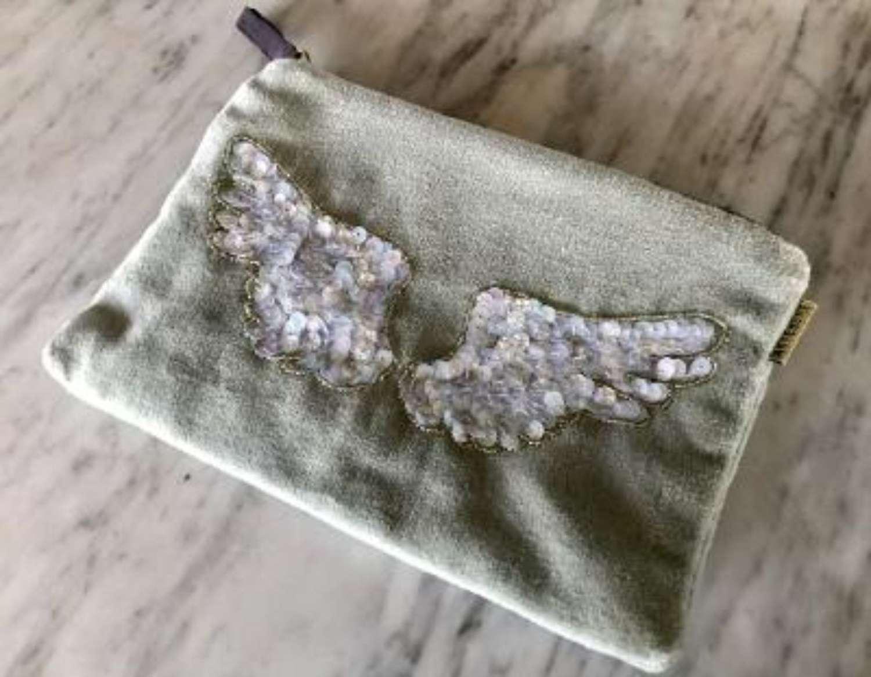 Wings velvet purse