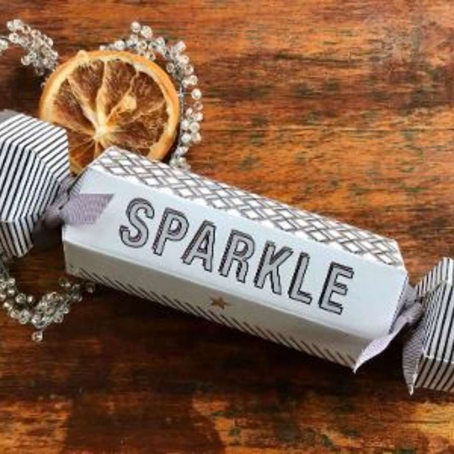Sparkle cracker