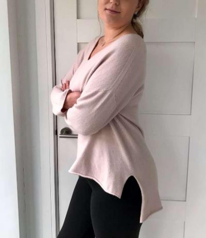 V neck Jumper - pale pink or mint