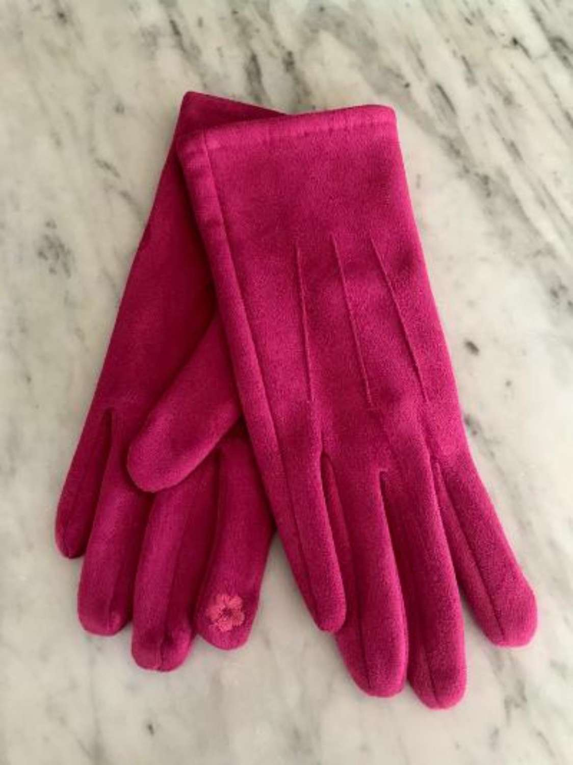 Fuchsia gloves
