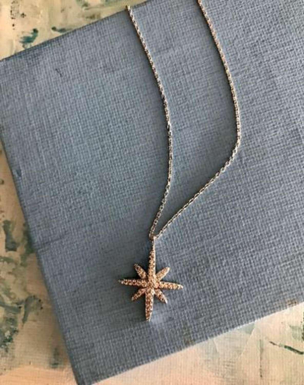 Delicate star pendant