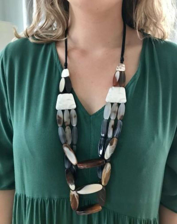 Tortoiseshell layered necklace