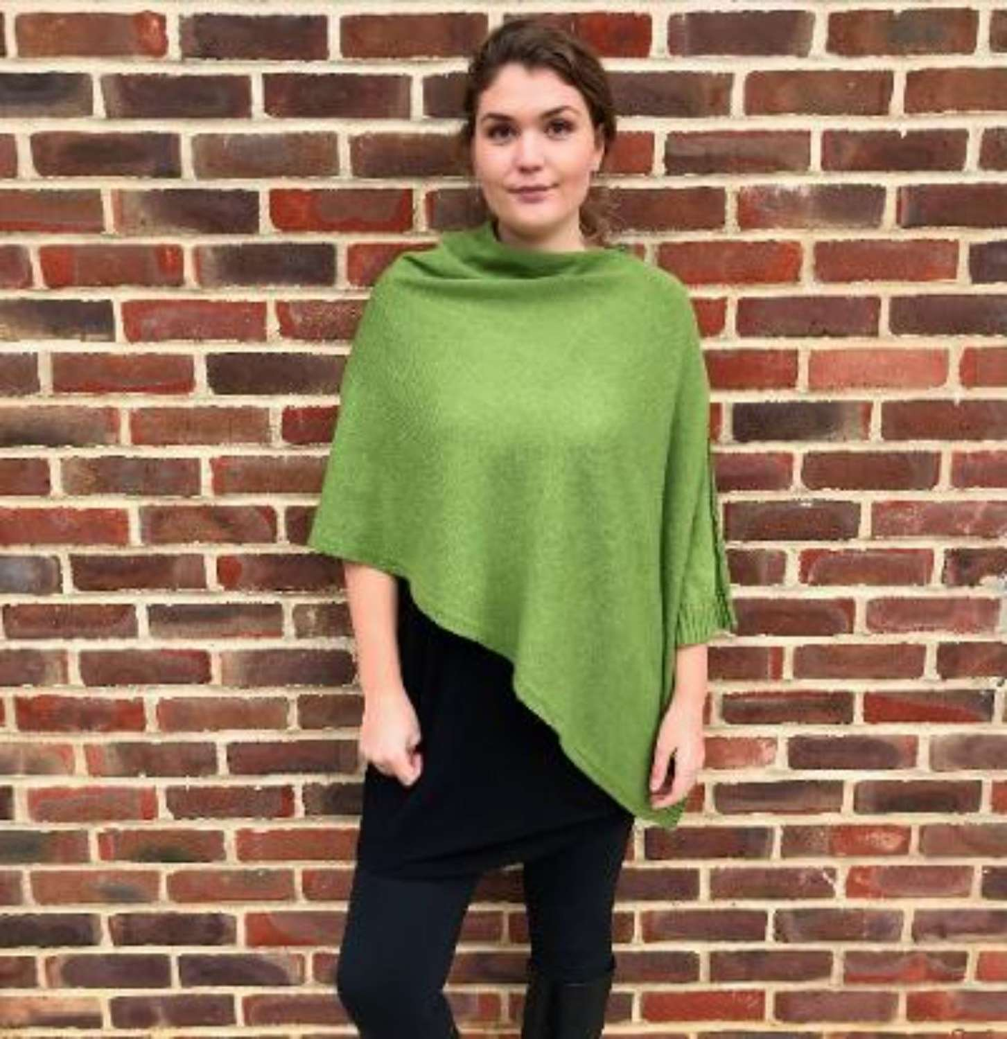 New heavier-weight seamed poncho - green