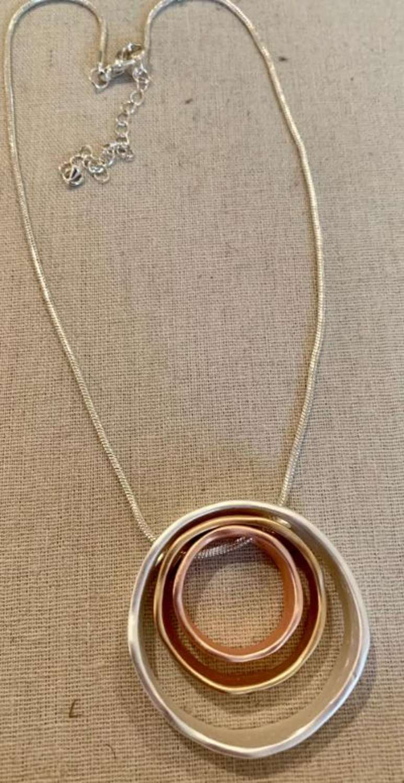 Mixed metals circles pendant