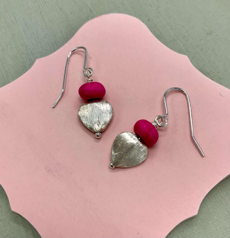 Sally earrings - fuchsia /heart