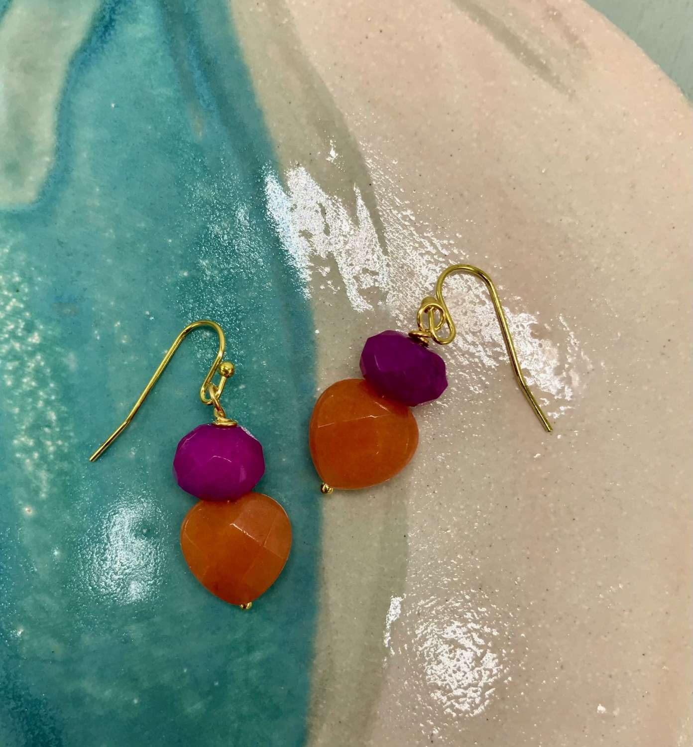 Sally earrings - fuchsia/orange heart