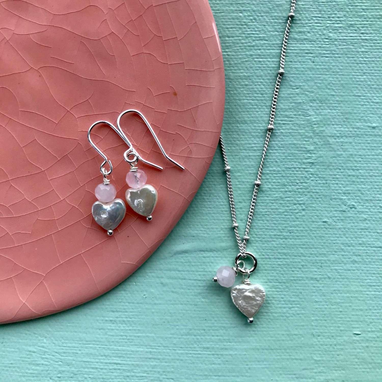Sally earrings - rose /pearl heart