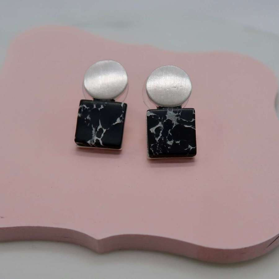 Square and circle earrings - black