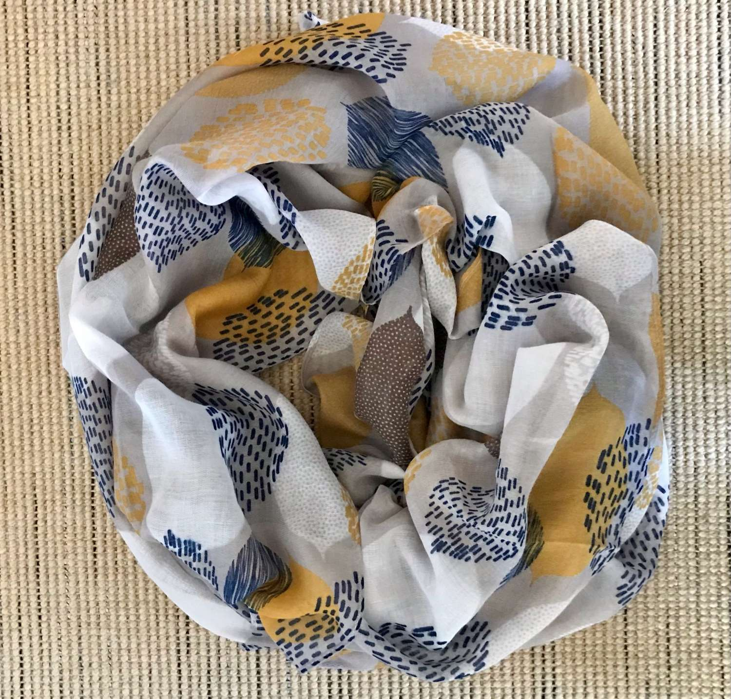 Patterned leaves scarf