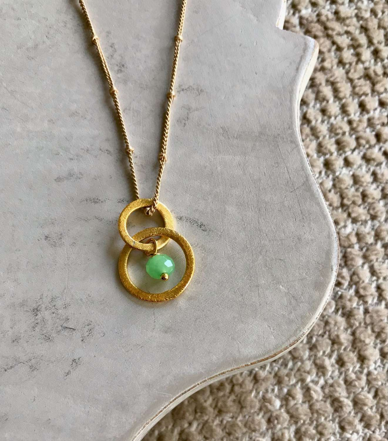 Lesley necklace - gold/green