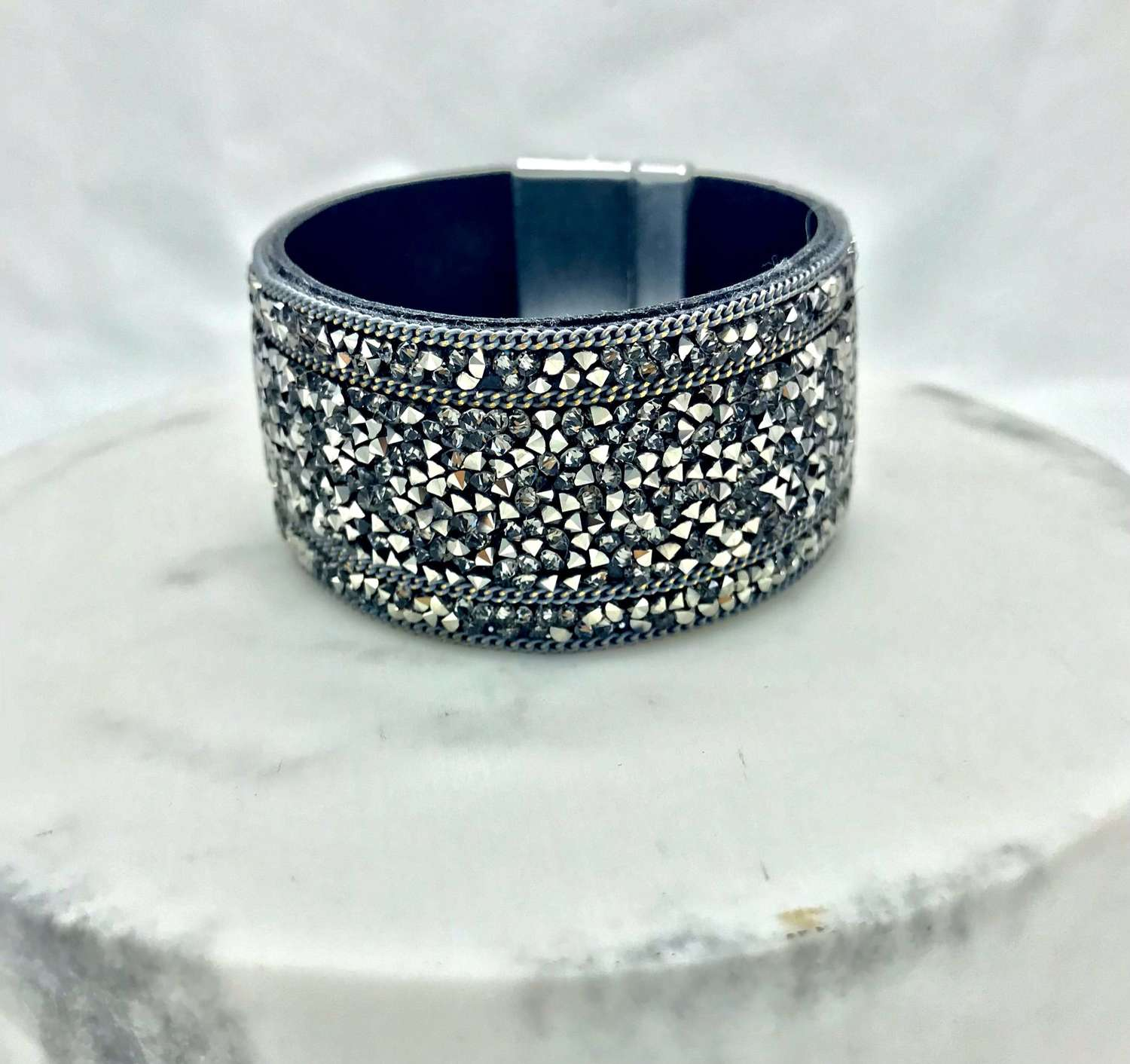 Magnetic textured cuff bracelet