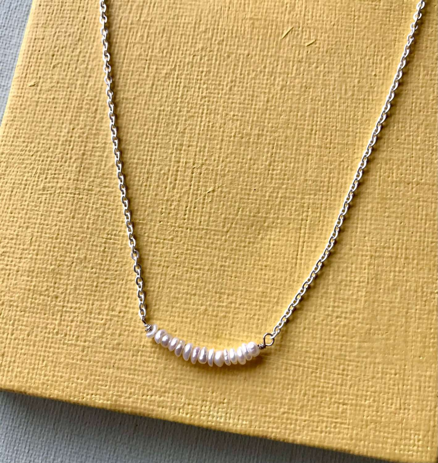 Elegant seed pearl chain necklace