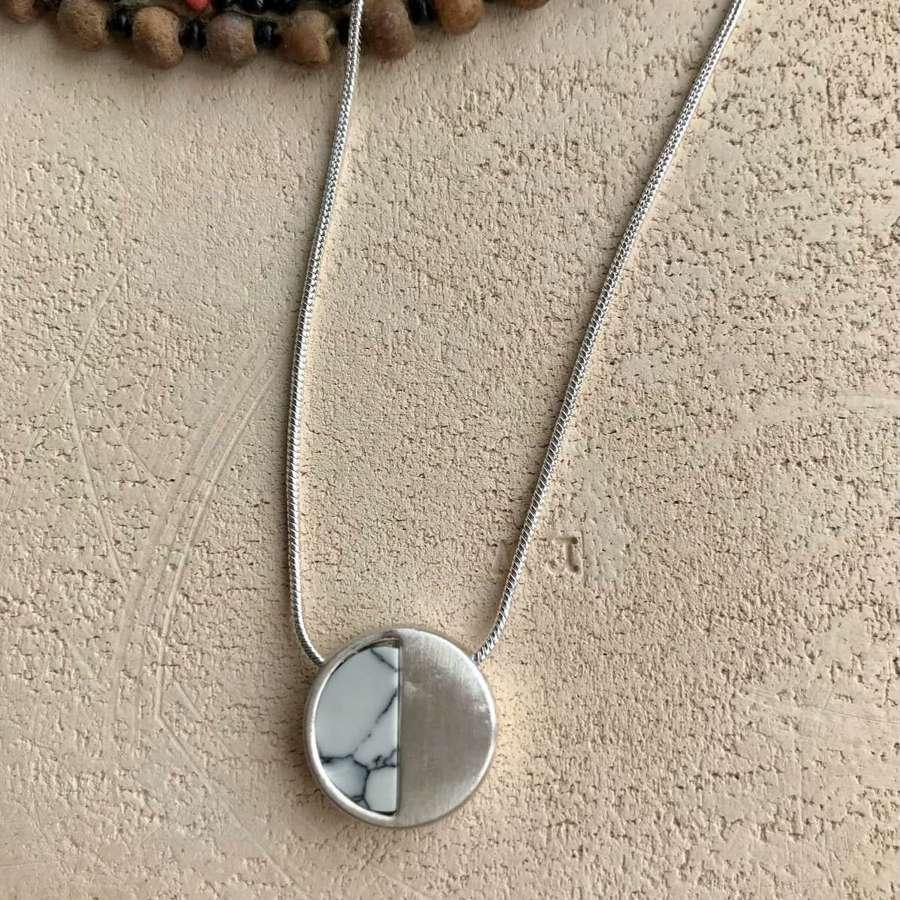 Small demi necklace - white/silver