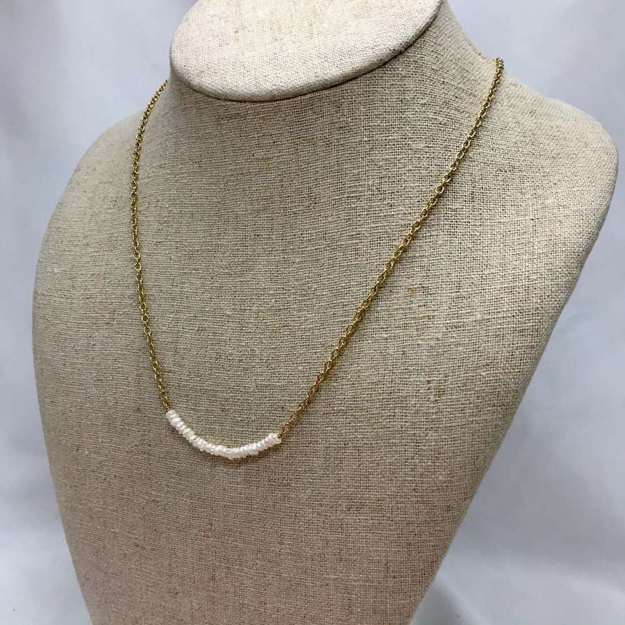 Elegant seed pearl chain necklace - gold