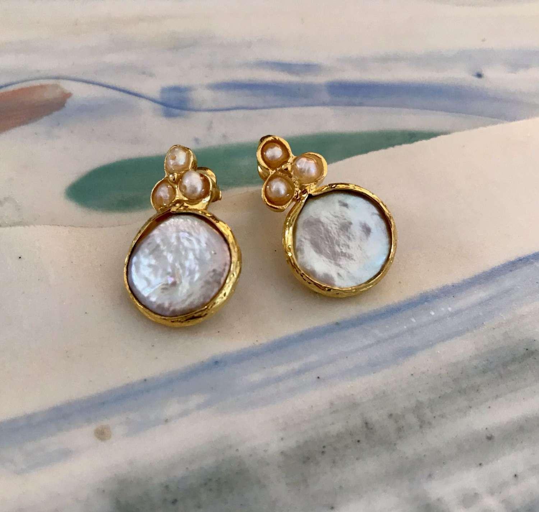Pearl drop stud earrings